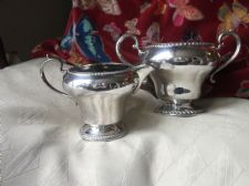 ELEGANT SILVER PLATED MILK JUG & SUGAR BOWL BEADED RIMS PEDESTAL BASE CURVY